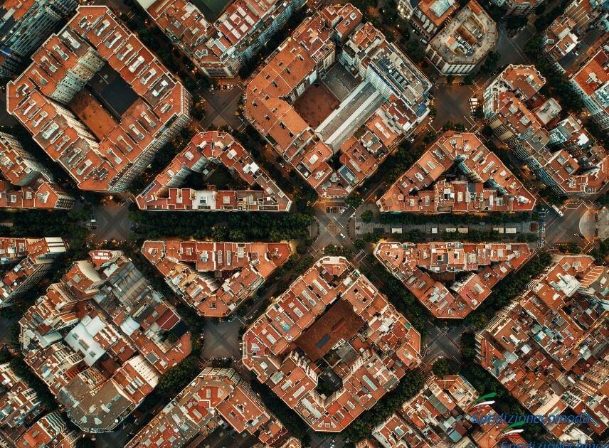 Vista aerea delle vie del centro di Barcellona
