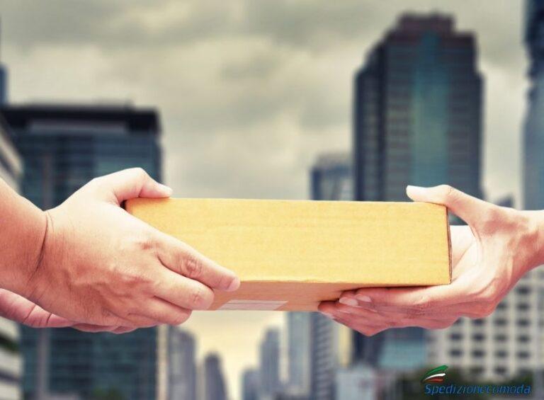 Consegna di una spedizione di pacco all'estero