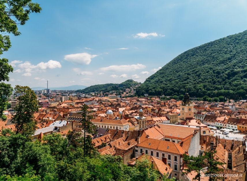 La bellissima città rumena di Brasov