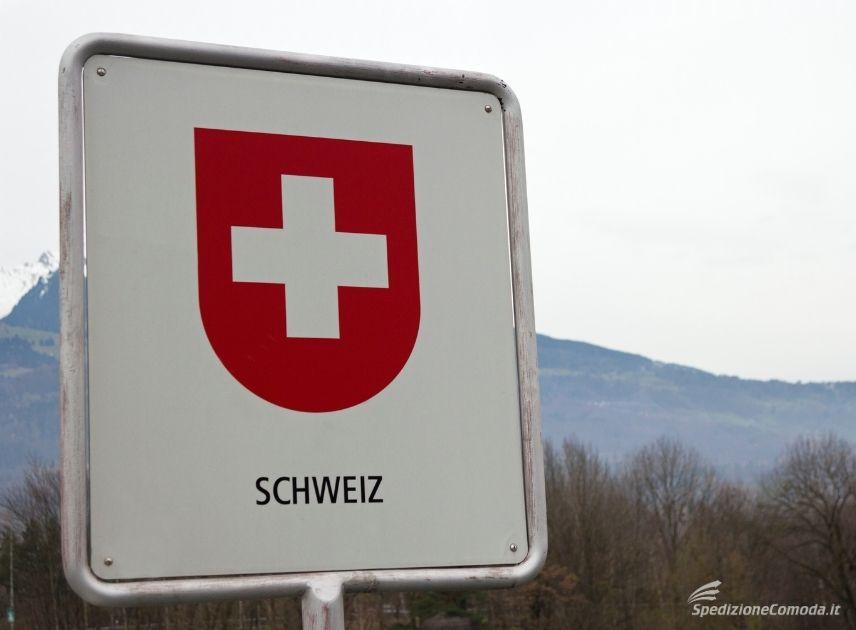Dogana svizzera al confine tra Svizzera e Italia