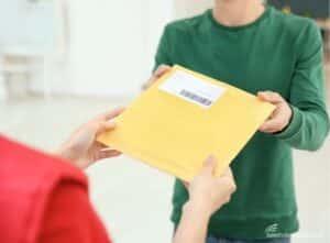 Spedire documenti all'estero