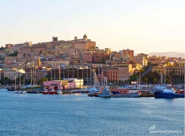 Vista di Cagliari, principale meta di spedizioni da e per la Sardegna
